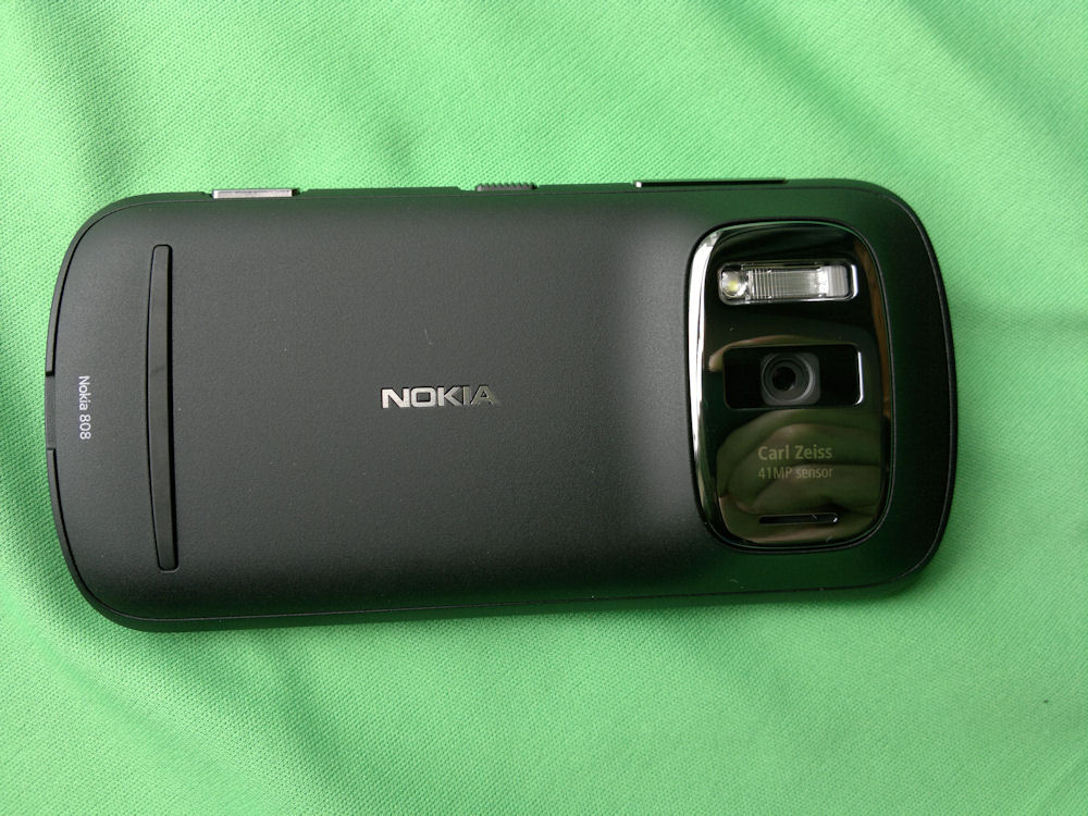 Nokia 808 from the rear